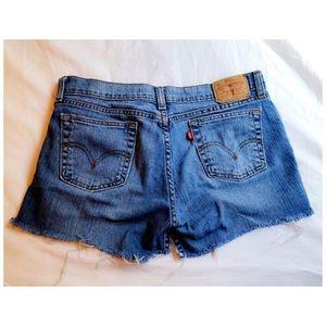 Vintage Levi's 518 Custom Cutoff Shorts Size 6